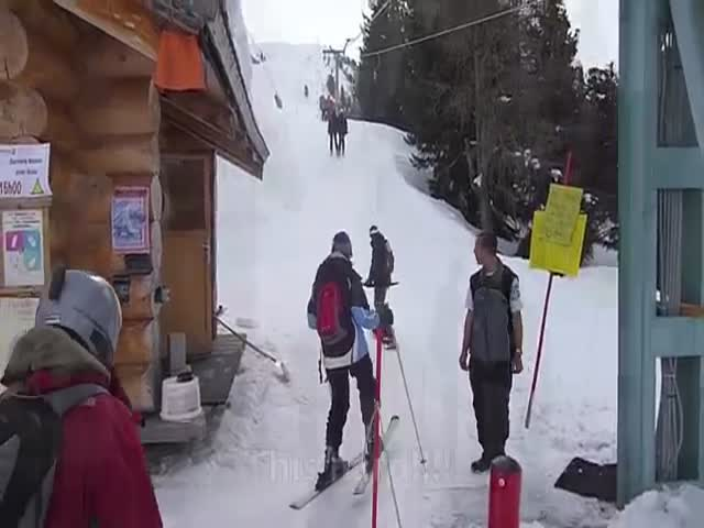 Epic Fail of the Day: Snowboarder's First Time Using a Ski Lift  (VIDEO)