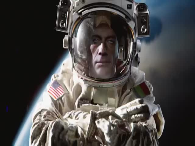 Jean Claude Van Damme's Legendary Split Now in Zero Gravity  (VIDEO)