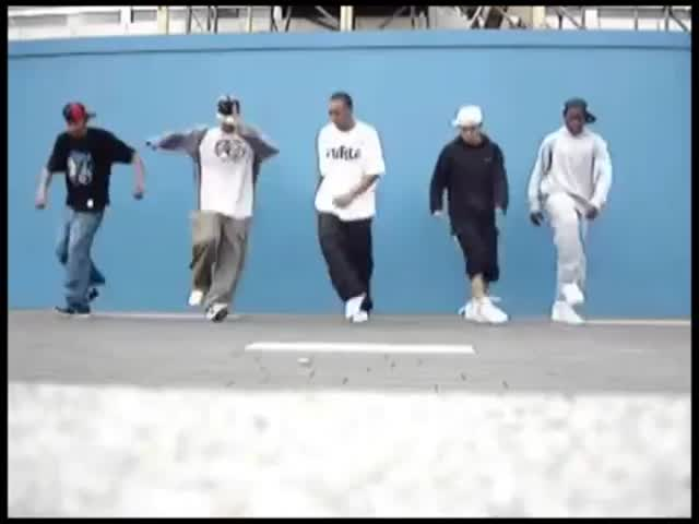 Hip Hop Dancing to Irish Jig Music  (VIDEO)