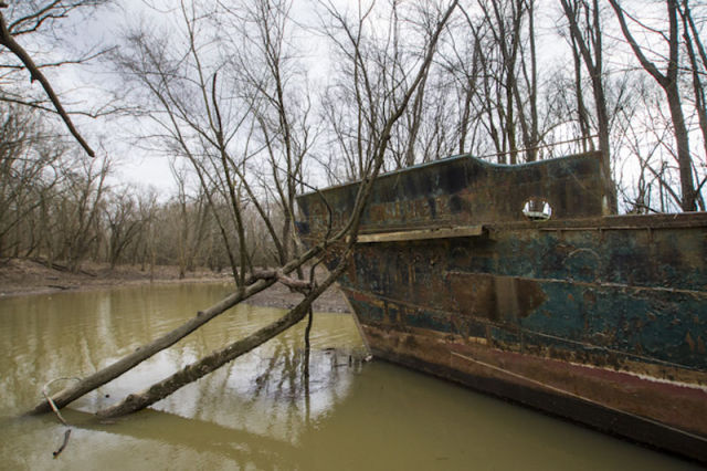 Kayakers Uncover a Ghost Ship on the Ohio River