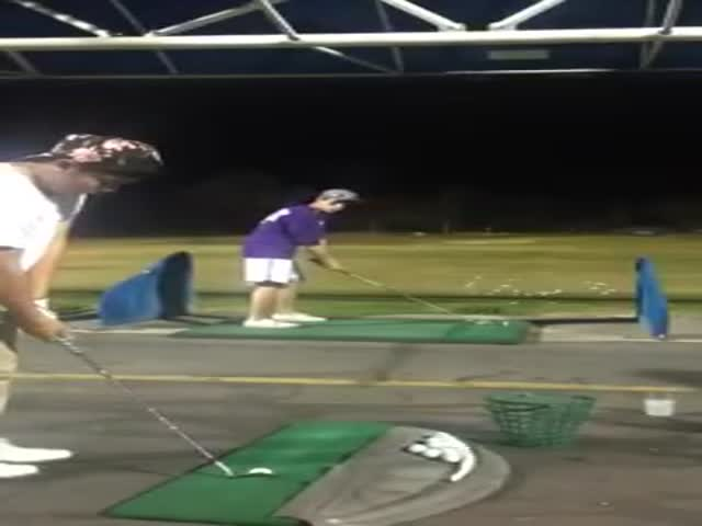 Epic Golf Assist Trick Shot  (VIDEO)