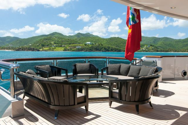 A Yacht for Weekly Rental That Only Millionaires Can Afford