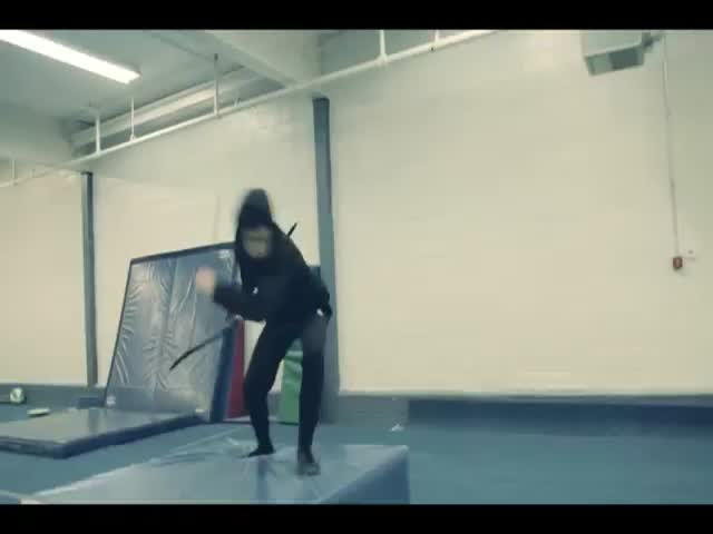 Mind Blowing Acrobatic Bow and Arrow Trick Shots