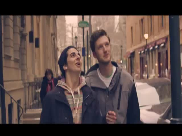 Guy Transformed a Video of His Friends into a Romantic Music Video  (VIDEO)