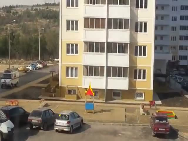 Russians vs Strong Wind  (VIDEO)
