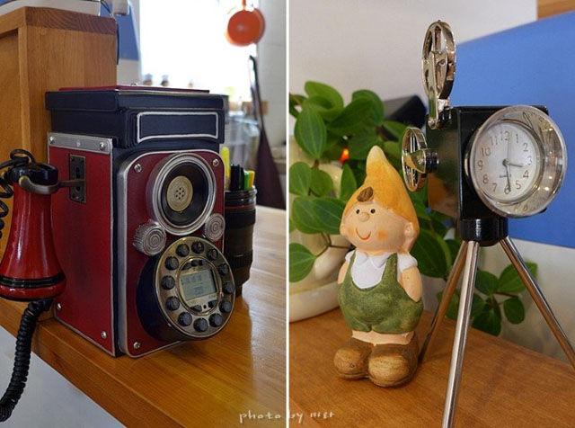 An Impressive Vintage Camera Coffee Shop