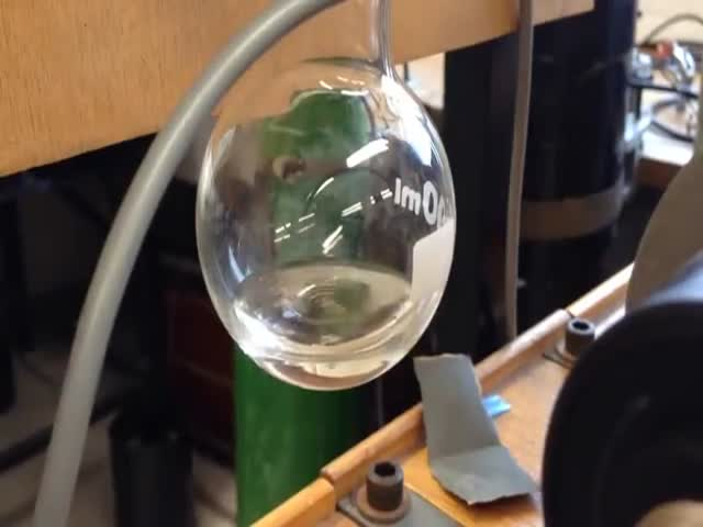 Fluid Simultaneously Boiling and Freezing  (VIDEO)
