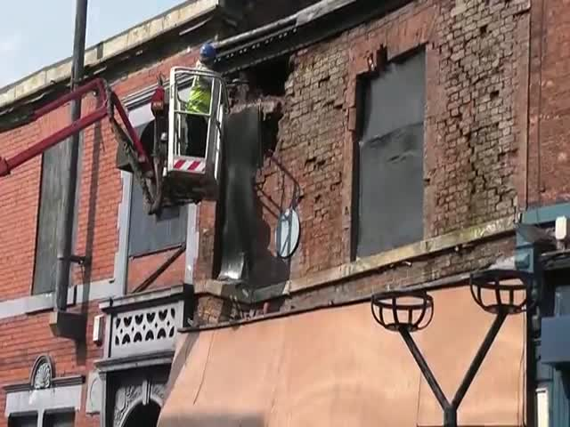 Removing Bricks Gone Wrong  (VIDEO)