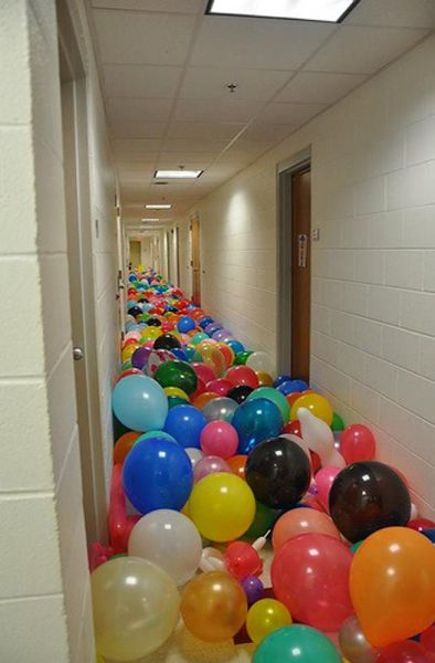April Fool's Day Pranks That Are Pretty Damn Good (42 pics  ~ 143649_Good Dorm Room Prank Ideas
