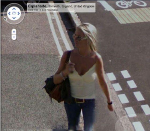 Sexy Ladies Get Caught on Google Street View