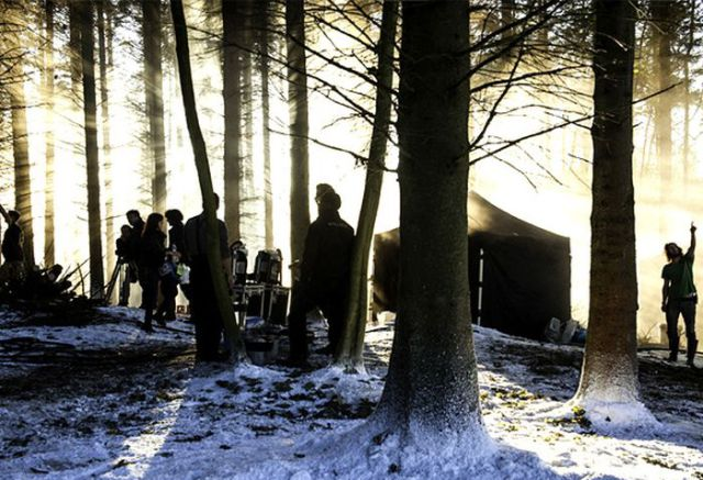 """On Set with Cast and Crew of """"Game of Thrones"""""""