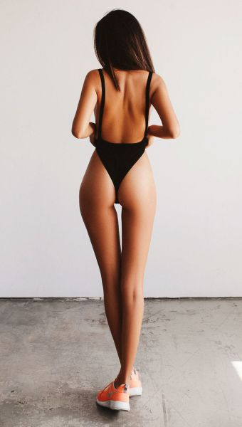 Babes Put Their Gorgeous Butts on Display