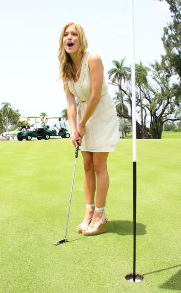 Girls Looking Gorgeous Playing Golf