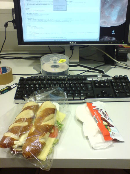 American Office Workers Miserable Lunches