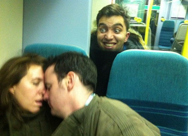 Photobombing Is An Art and They Have Nailed It
