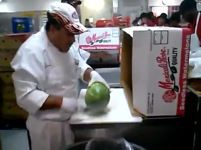 How to Cut a Watermelon Skin Like a Pro  (VIDEO)