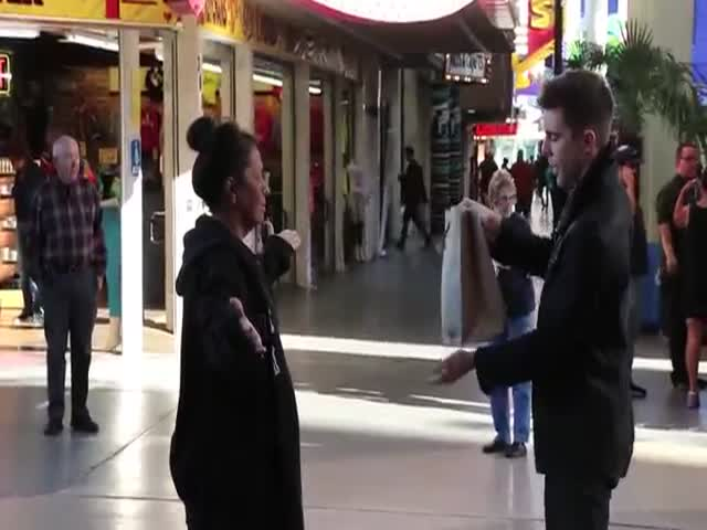 Magician Uses Magic to Feed the Homeless