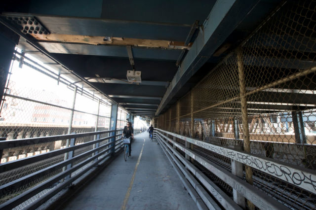 The Manhattan Bridge Has an Unexpected New Use