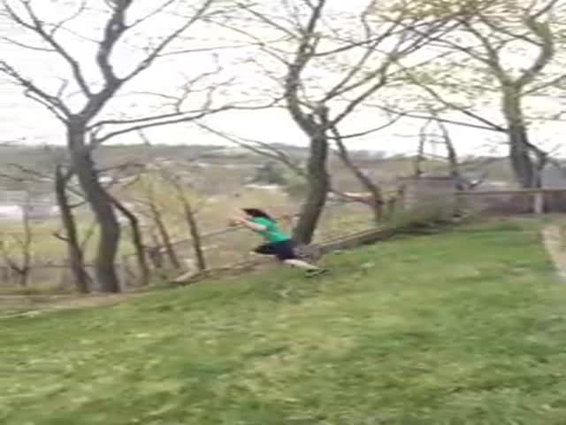 Hilarious Rope Swing Fail