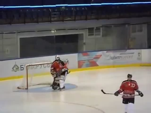 Swiss Female Goalkeeper Dances at Every Break