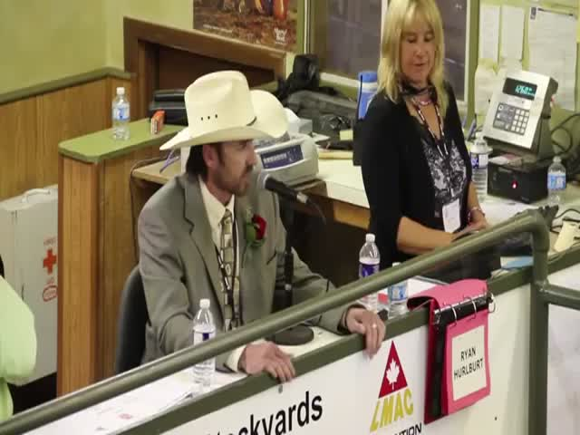 Cattle Auctioneer Drops Some Sick Beats  (VIDEO)