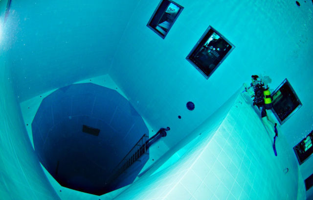 The deepest pool in the world 25 pics for Allergia al cloro delle piscine