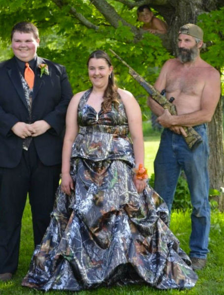 Prom Photos in True Redneck Style
