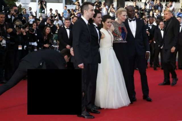 Photographer Tries to Get a Sneaky Up-the-Skirt Celebrity Pic
