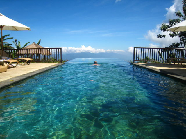Extraordinary Infinity Pools that Will Make You Wanna Go on Vacation