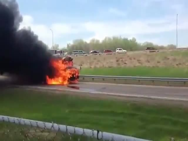 School Bus on Fire Wants to Share Its Fate with a Fire Truck  (VIDEO)