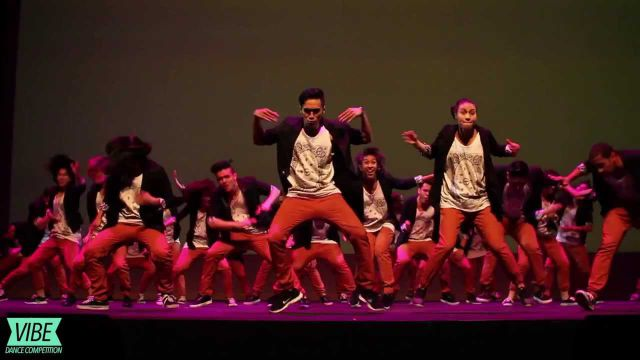 Mind-Blowing Synchronized Dance Routine