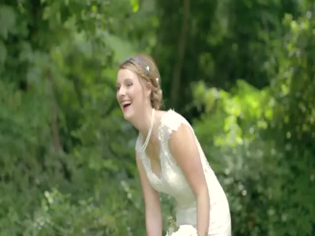 US Marine Surprises His Sister on Her Wedding Day