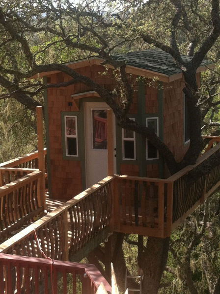 A DIY Tree House That Will Knock Your Socks off