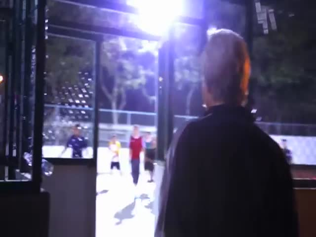 Sean Garnier Disguised as an Old Man Shows Some Young Players How It's Done