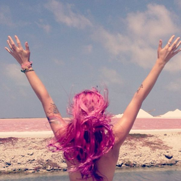Topless Holiday Snaps Are the Newest Internet Trend