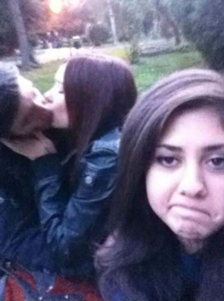 Third Wheel Moments That Are Totes Awks