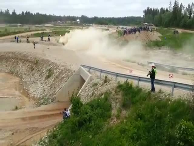 BMW M3's Epic Jump during Estonian Rally Race  (VIDEO)