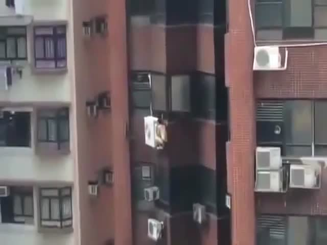 Air Conditioner Repairer or Escaping Being Caught Cheating?