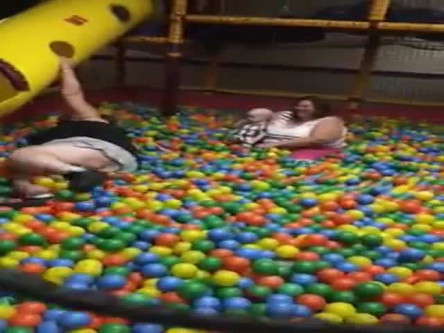 Fat Girl Stuck in Ball Pitt  (VIDEO)