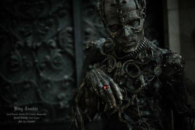 An Amazing Zombie Costume That Is Like Walking Art