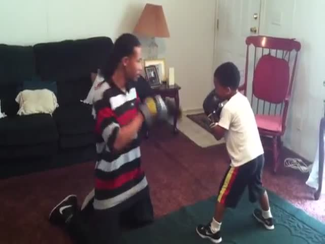 This 5-Year-Old Kid Has a Great Future in Boxing