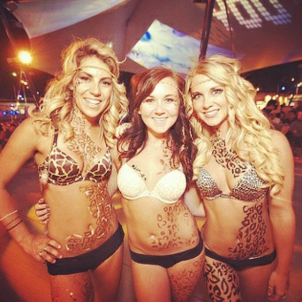 Sweet and Sexy Las Vegas Daisy Carnival Girls