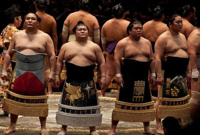 What Sumo Wrestlers Eat in a Day