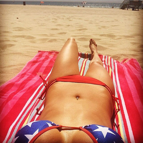 USA Ladies Show Their Patriotism Through Their Boobs