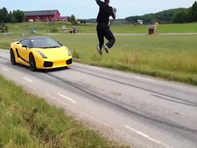 Crazy Guy Jumps Over Lamborghini Going 80mph