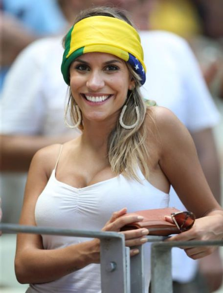 Beautiful Girls Who Came Out to Support Their World Cup Teams