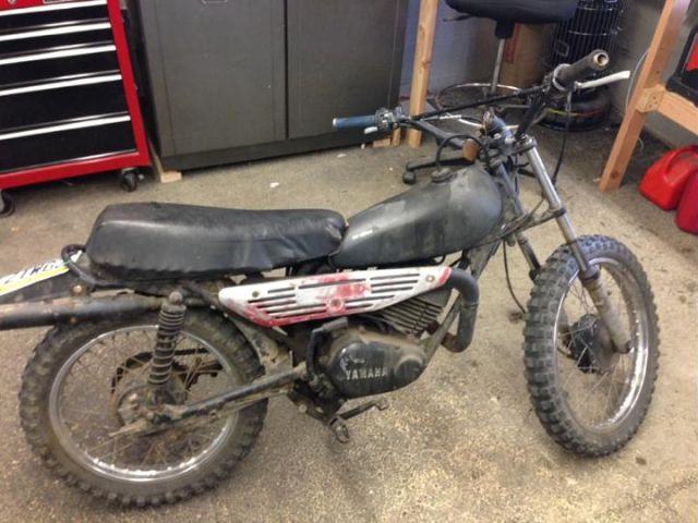 A Yamaha Dirtbike from the 80s Undergoes Awesome Restoration