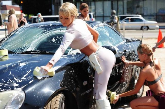 Girls Get Wet 'n Wild in Star Wars Themed Car Wash