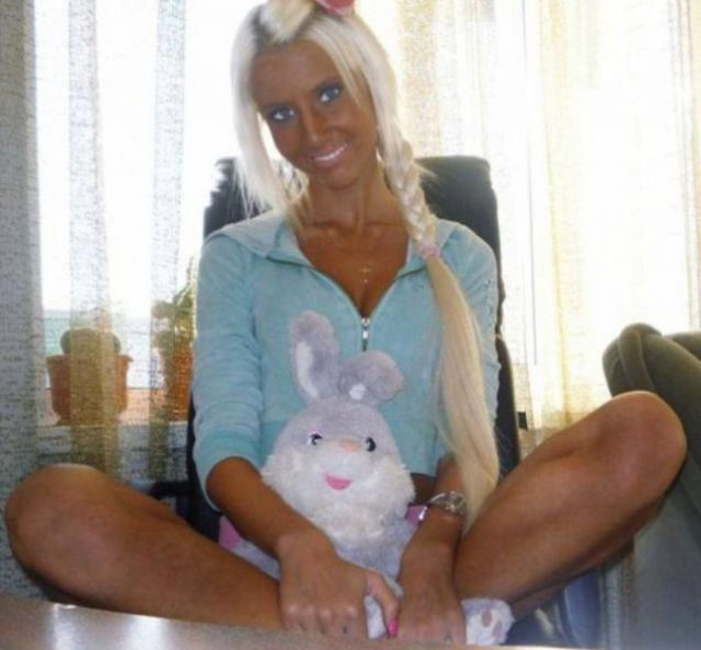 Pics of Blondes Are Too Funny for Words