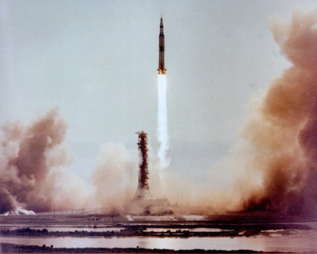 A Look Back at Old Apollo 11 Photos